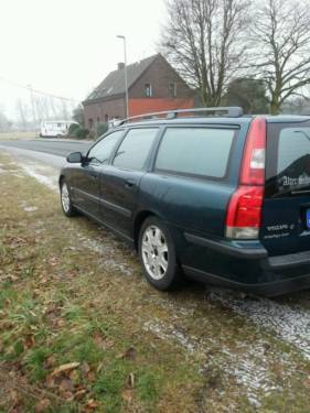 verkauft volvo v70 s gebraucht 2000 km in berlin autouncle. Black Bedroom Furniture Sets. Home Design Ideas