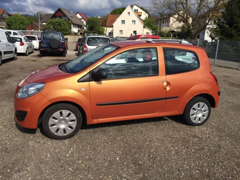 verkauft renault twingo 1 2 gebraucht 2008 km in. Black Bedroom Furniture Sets. Home Design Ideas