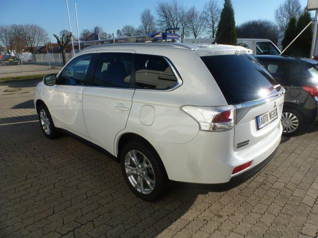 verkauft mitsubishi outlander 2 0 2wd gebraucht 2014 km in eisenberg. Black Bedroom Furniture Sets. Home Design Ideas