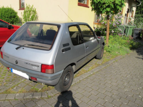 verkauft peugeot 205 automatik gebraucht 1993 km. Black Bedroom Furniture Sets. Home Design Ideas
