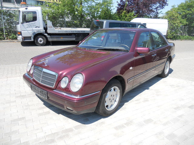 verkauft mercedes e290 td w210 gebraucht 1997 km in b hl vimbuch. Black Bedroom Furniture Sets. Home Design Ideas