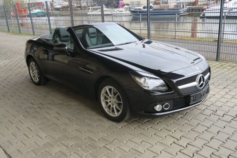verkauft mercedes slk200 slk 200 roads gebraucht 2011. Black Bedroom Furniture Sets. Home Design Ideas