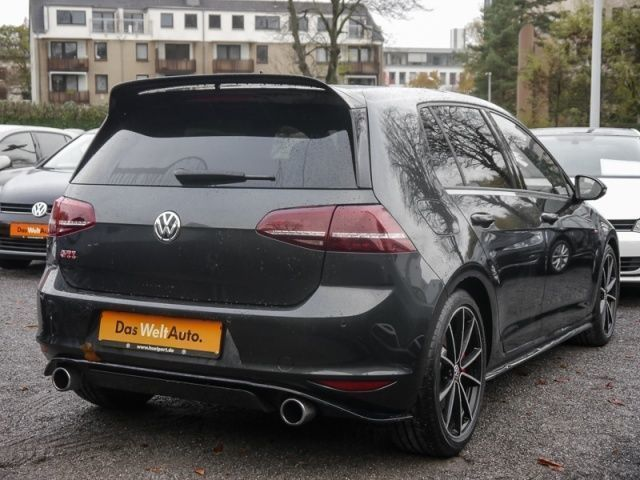 verkauft vw golf vii golf vii gti club gebraucht 2016 9. Black Bedroom Furniture Sets. Home Design Ideas