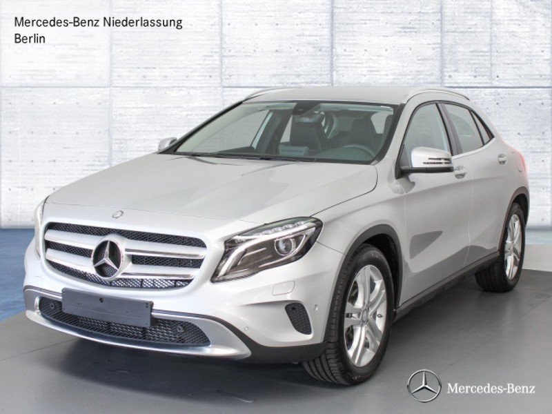 verkauft mercedes gla180 d amg night n gebraucht 2016 km in muehldorf. Black Bedroom Furniture Sets. Home Design Ideas