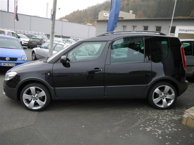 verkauft skoda roomster scout 1 2 tsi gebraucht 2011 10 km in. Black Bedroom Furniture Sets. Home Design Ideas