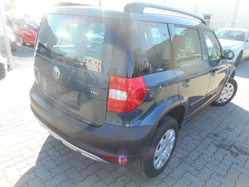 verkauft skoda yeti 4x4 gebraucht 2012 km in. Black Bedroom Furniture Sets. Home Design Ideas