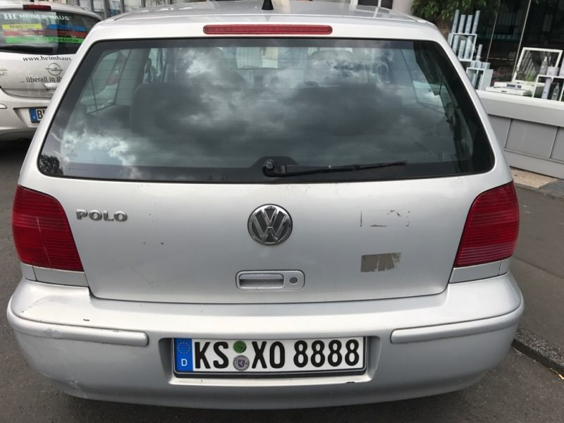 verkauft vw polo gebraucht 2000 km in kassel. Black Bedroom Furniture Sets. Home Design Ideas