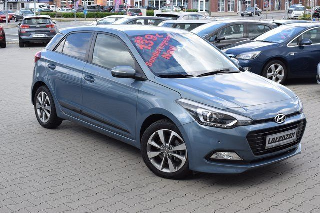 verkauft hyundai i20 1 0 style blue gebraucht 2016 km in flensburg. Black Bedroom Furniture Sets. Home Design Ideas
