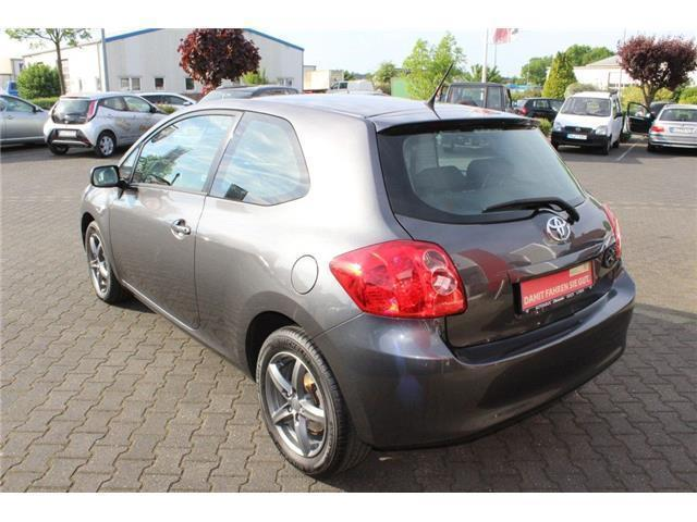 verkauft toyota auris zre151 gebraucht 2007 km in staufenberg. Black Bedroom Furniture Sets. Home Design Ideas