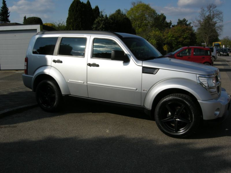 verkauft dodge nitro sxt gebraucht 2009 km in n rnberg. Black Bedroom Furniture Sets. Home Design Ideas