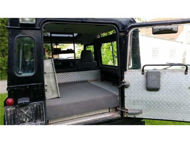 verkauft land rover defender 110 tdi gebraucht 1998 km in teutschenthal. Black Bedroom Furniture Sets. Home Design Ideas