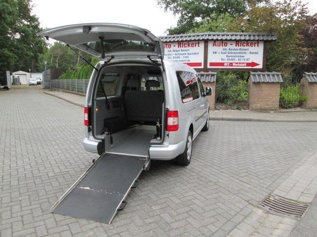 verkauft vw caddy maxi rollstuhlrampe gebraucht 2009. Black Bedroom Furniture Sets. Home Design Ideas