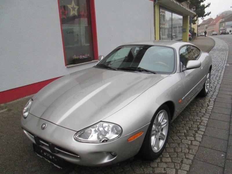xk8 gebrauchte jaguar xk8 kaufen 63 g nstige autos zum. Black Bedroom Furniture Sets. Home Design Ideas