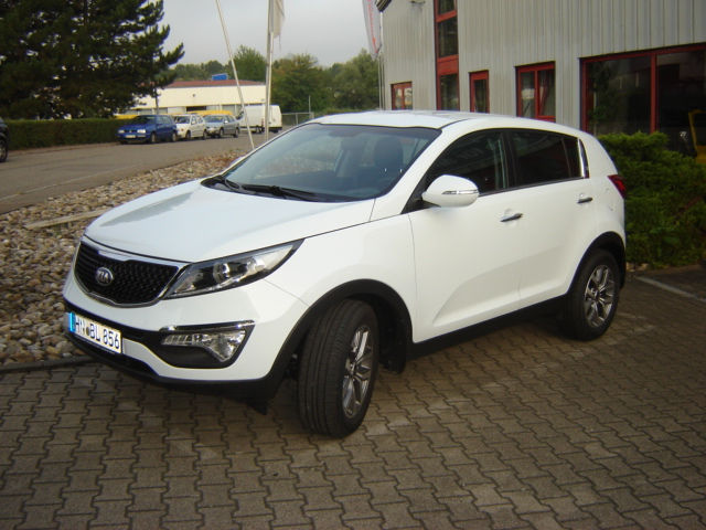 gebraucht 1 7crdi 2wd klimaauto sitzheiz sofort kia sportage 2015 km in weinsberg. Black Bedroom Furniture Sets. Home Design Ideas