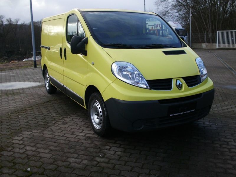 verkauft renault trafic kasten l1h1 2 gebraucht 2010. Black Bedroom Furniture Sets. Home Design Ideas