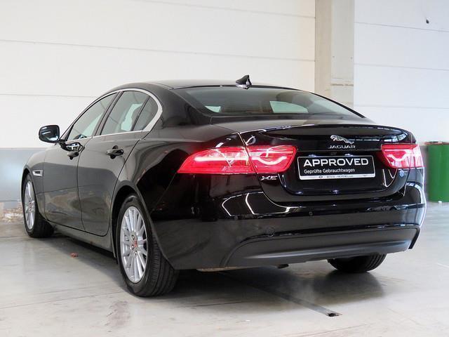 verkauft jaguar xe 20d e performance p gebraucht 2015 km in k ln. Black Bedroom Furniture Sets. Home Design Ideas