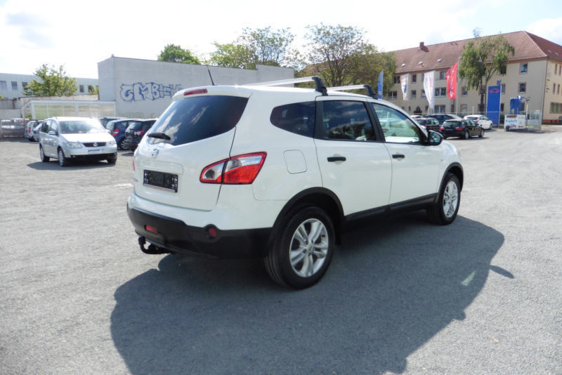 verkauft nissan qashqai 2 acenta 4x2 gebraucht 2011 km in hringen. Black Bedroom Furniture Sets. Home Design Ideas
