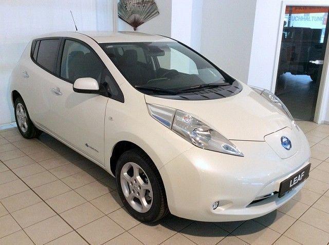 Nissan Leaf Gebraucht : verkauft nissan leaf acenta 30kw ladek gebraucht 2016 km in glauchau ~ Aude.kayakingforconservation.com Haus und Dekorationen