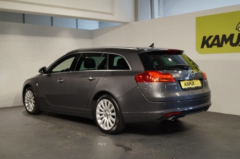 verkauft opel insignia sports tourer 2 gebraucht 2012 km in hamburg. Black Bedroom Furniture Sets. Home Design Ideas