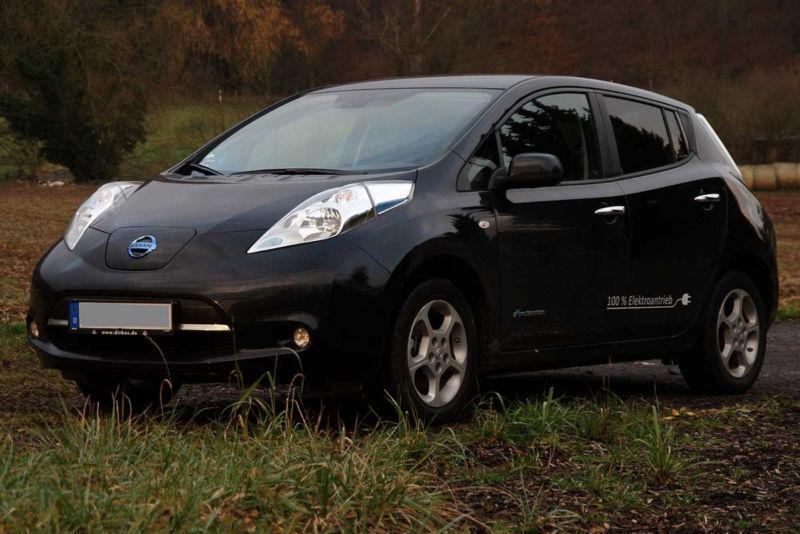 leaf gebrauchte nissan leaf kaufen 179 g nstige autos zum verkauf. Black Bedroom Furniture Sets. Home Design Ideas