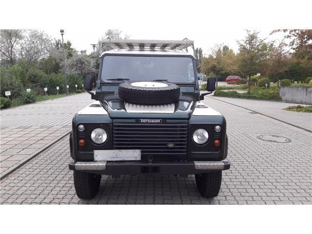 verkauft land rover defender 110 td5 gebraucht 2001 km in wallmenroth. Black Bedroom Furniture Sets. Home Design Ideas