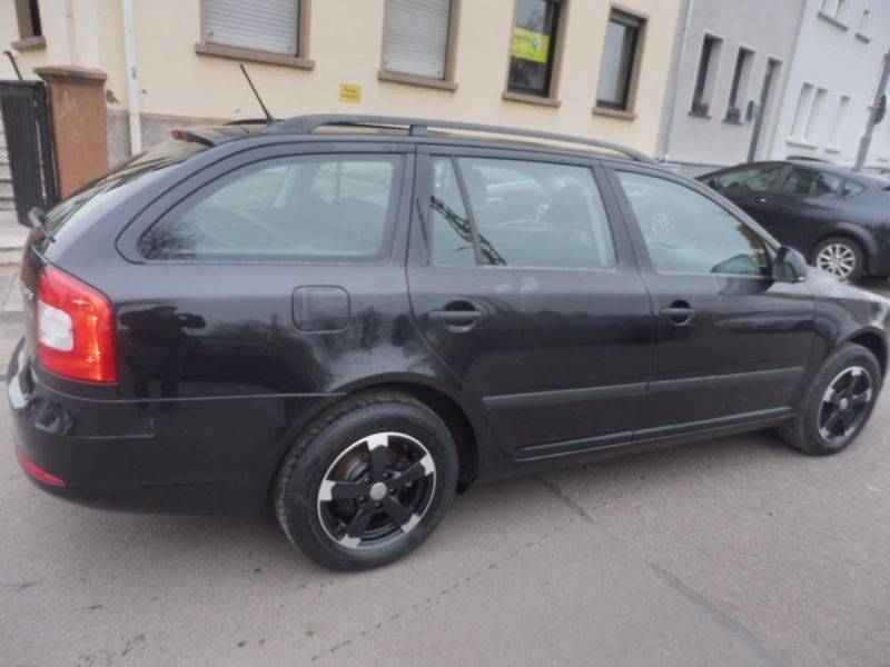 verkauft skoda octavia combi active gebraucht 2012 km in saarlouis. Black Bedroom Furniture Sets. Home Design Ideas