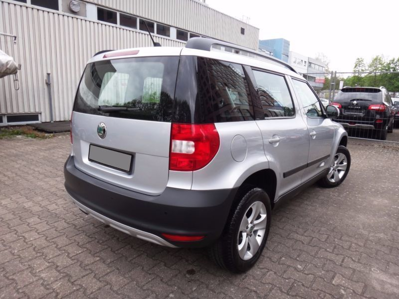 verkauft skoda yeti 1 2 tsi dsg ambiti gebraucht 2012 km in berlin. Black Bedroom Furniture Sets. Home Design Ideas