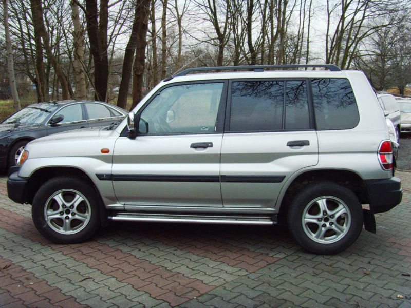 verkauft mitsubishi pajero pinin 2 0 g gebraucht 2001 km in hamburg. Black Bedroom Furniture Sets. Home Design Ideas