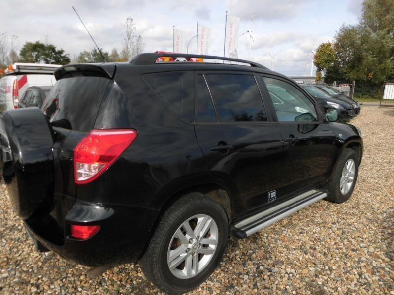 verkauft toyota rav4 2 0 4x4 lkw zul gebraucht 2007 km in brieselang ot zee. Black Bedroom Furniture Sets. Home Design Ideas