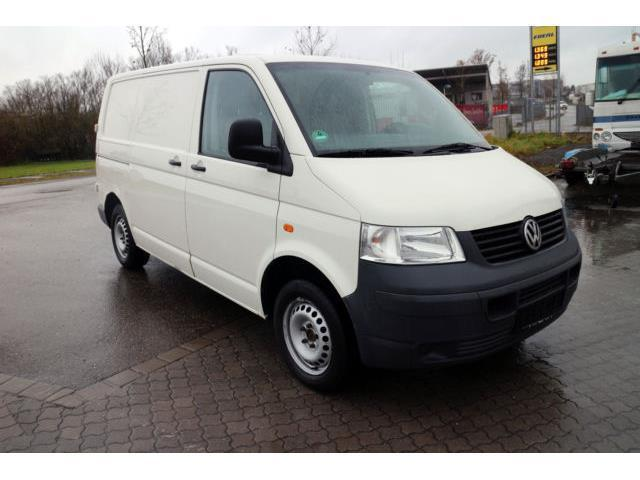 verkauft vw transporter t5kombi lang gebraucht 2006 km in m nchen. Black Bedroom Furniture Sets. Home Design Ideas