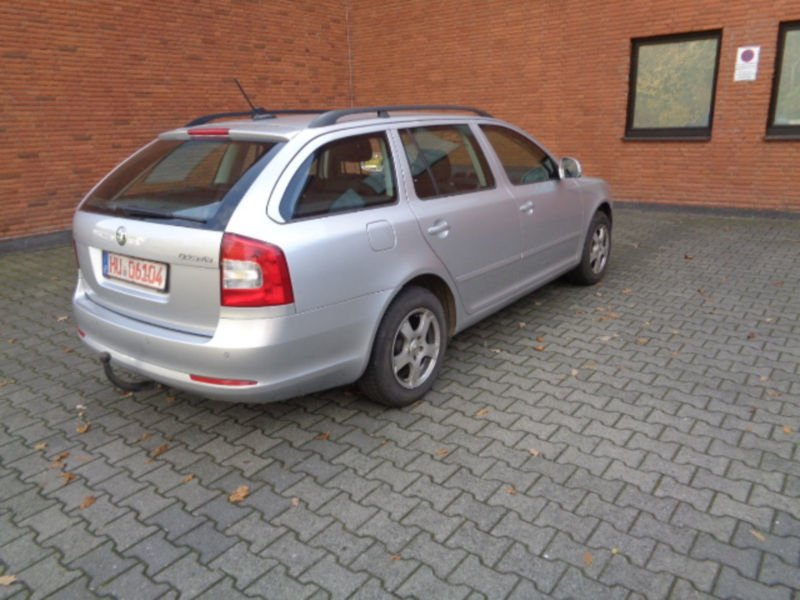 verkauft skoda octavia combi ambition gebraucht 2012 km in neuberg. Black Bedroom Furniture Sets. Home Design Ideas