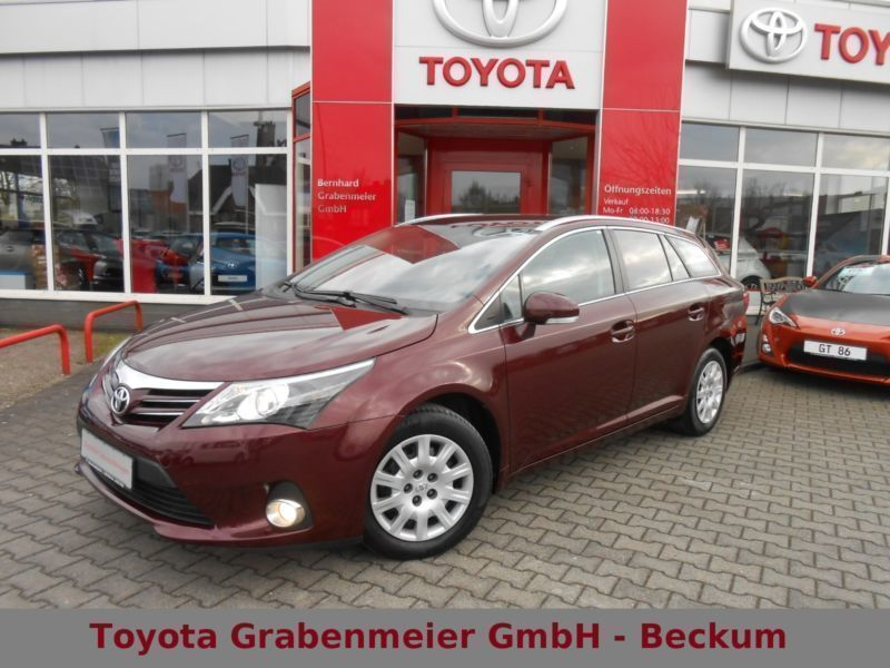 Verkauft Toyota Avensis T27, gebraucht 2012, 38.034 km in Bielefeld