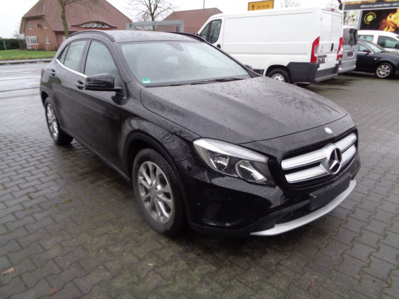 verkauft mercedes gla220 gla klassecdi gebraucht 2016 km in warendorf. Black Bedroom Furniture Sets. Home Design Ideas