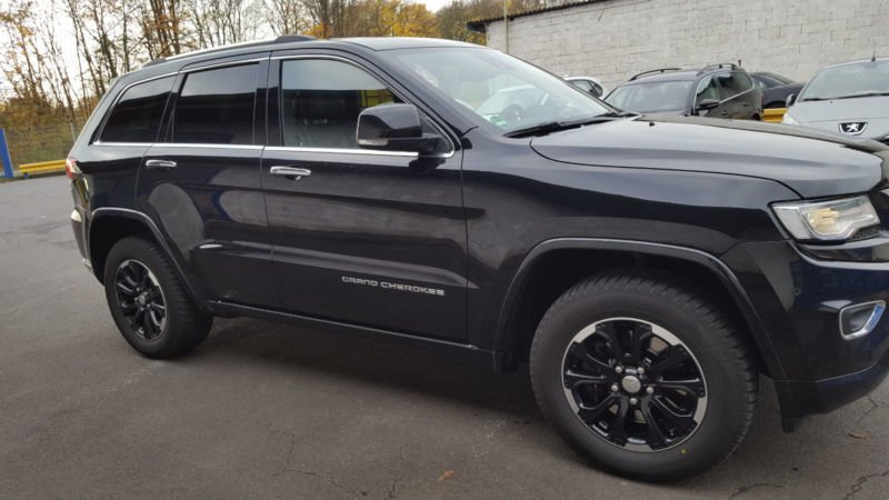 verkauft jeep grand cherokee 3 0i mult gebraucht 2015 km in aschaffenburg. Black Bedroom Furniture Sets. Home Design Ideas