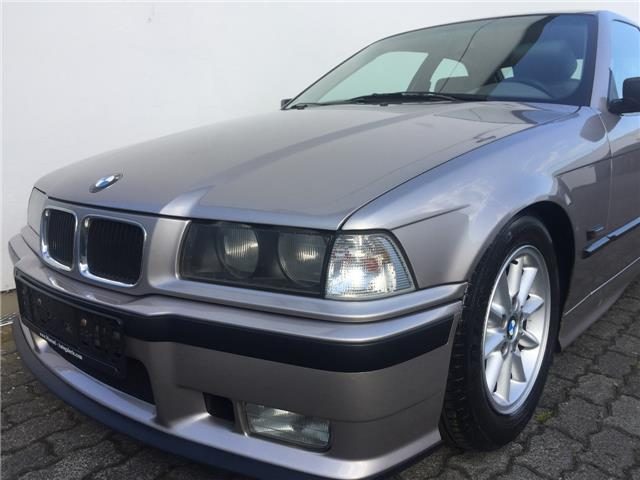 verkauft bmw 316 compact i e36 klimaan gebraucht 1994 km in kassel. Black Bedroom Furniture Sets. Home Design Ideas