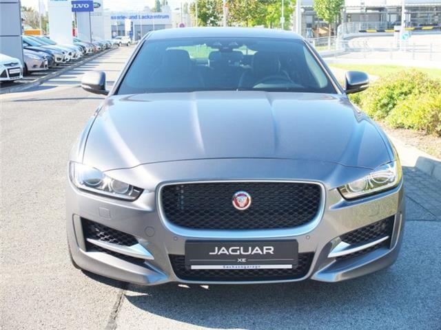 verkauft jaguar xe 20t r sport 147 kw gebraucht 2015 8. Black Bedroom Furniture Sets. Home Design Ideas