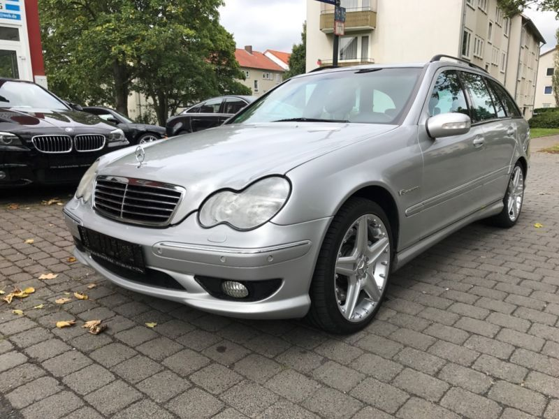 verkauft mercedes c32 amg c klasse t m gebraucht 2002 km in hechingen. Black Bedroom Furniture Sets. Home Design Ideas