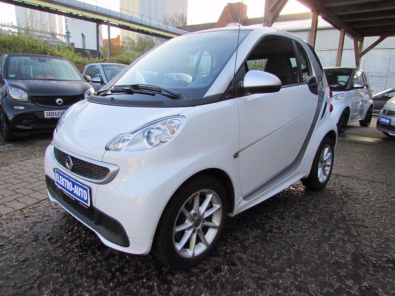 verkauft smart fortwo electric drive c gebraucht 2014 km in l beck. Black Bedroom Furniture Sets. Home Design Ideas