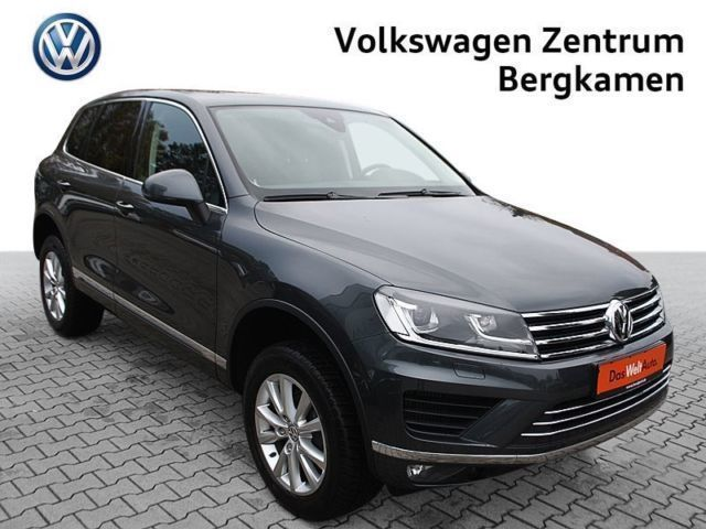verkauft vw touareg v6 tdi r line ahk gebraucht 2015 km in bergkamen. Black Bedroom Furniture Sets. Home Design Ideas