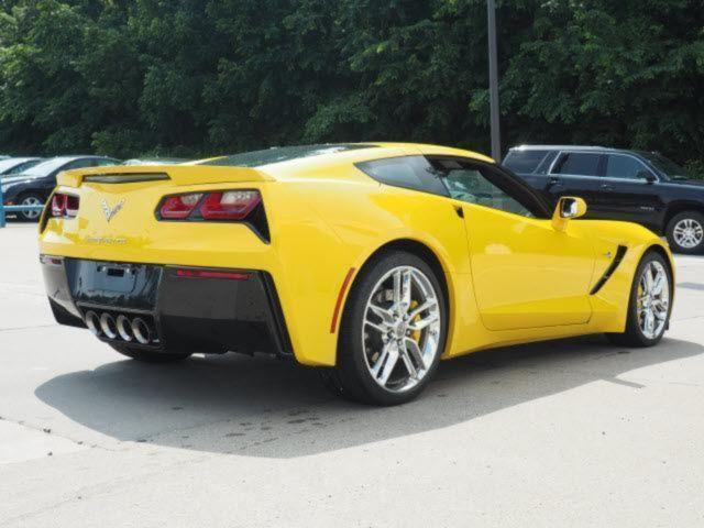 verkauft corvette c7 z51 2lt 2015 v8 6 gebraucht 2015 2. Black Bedroom Furniture Sets. Home Design Ideas