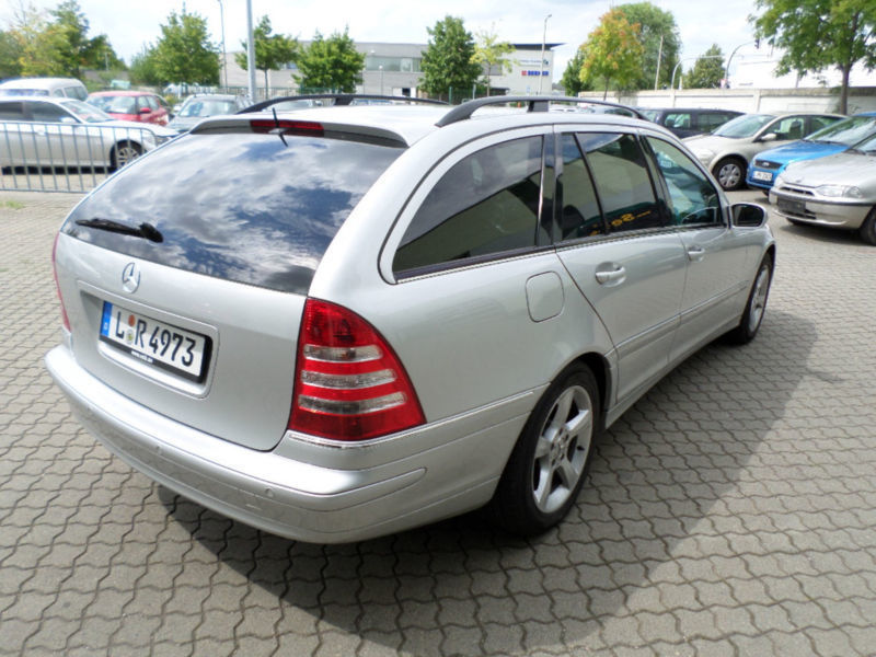 verkauft mercedes c220 c klasse t mode gebraucht 2004 km in leipzig. Black Bedroom Furniture Sets. Home Design Ideas