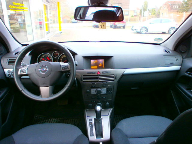 verkauft opel astra 1 8 automatik edit gebraucht 2006 km in hamburg. Black Bedroom Furniture Sets. Home Design Ideas