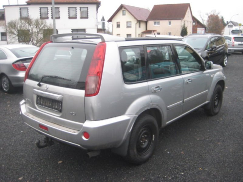 verkauft nissan x trail 2 2 dci 4x4 co gebraucht 2005 km in immelborn ettmars. Black Bedroom Furniture Sets. Home Design Ideas