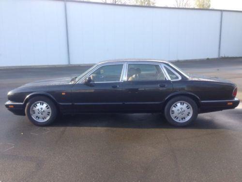x300 gebrauchte jaguar x300 kaufen 18 g nstige autos zum verkauf. Black Bedroom Furniture Sets. Home Design Ideas