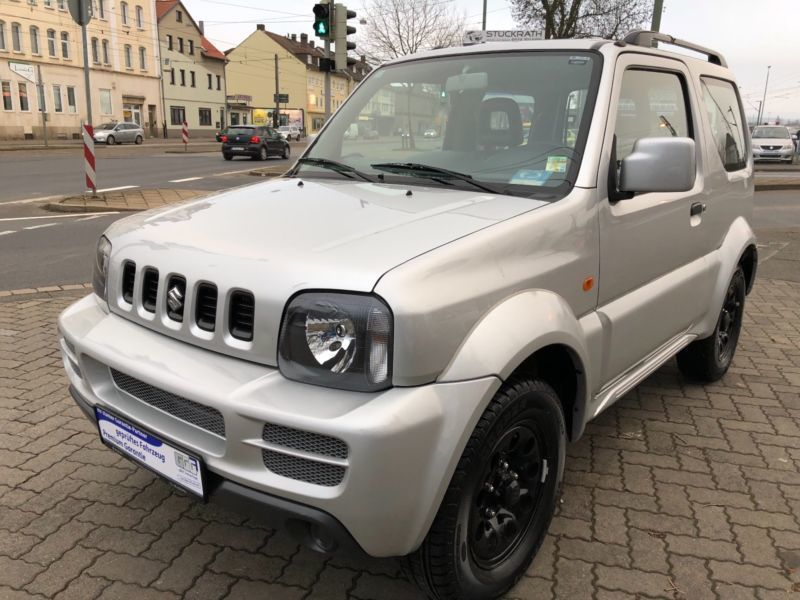 verkauft suzuki jimny club gebraucht 2009 km in kassel. Black Bedroom Furniture Sets. Home Design Ideas