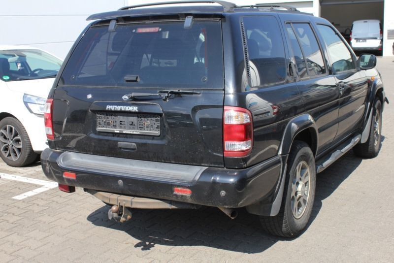 verkauft nissan pathfinder 3 3 v6 auto gebraucht 2000 km in pleinfeld. Black Bedroom Furniture Sets. Home Design Ideas