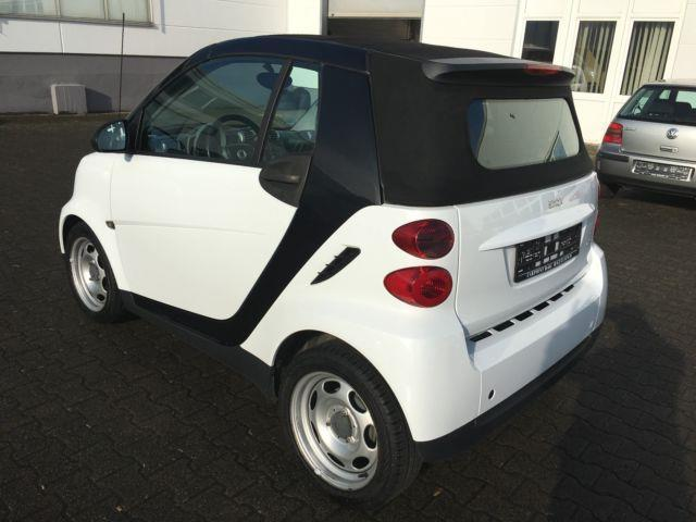 gebraucht cdi passion smart fortwo cabrio 2009 km in heide. Black Bedroom Furniture Sets. Home Design Ideas