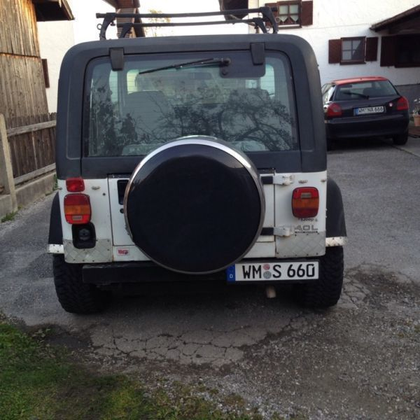 verkauft jeep wrangler 4 0 broadway m gebraucht 1994 km in berg. Black Bedroom Furniture Sets. Home Design Ideas