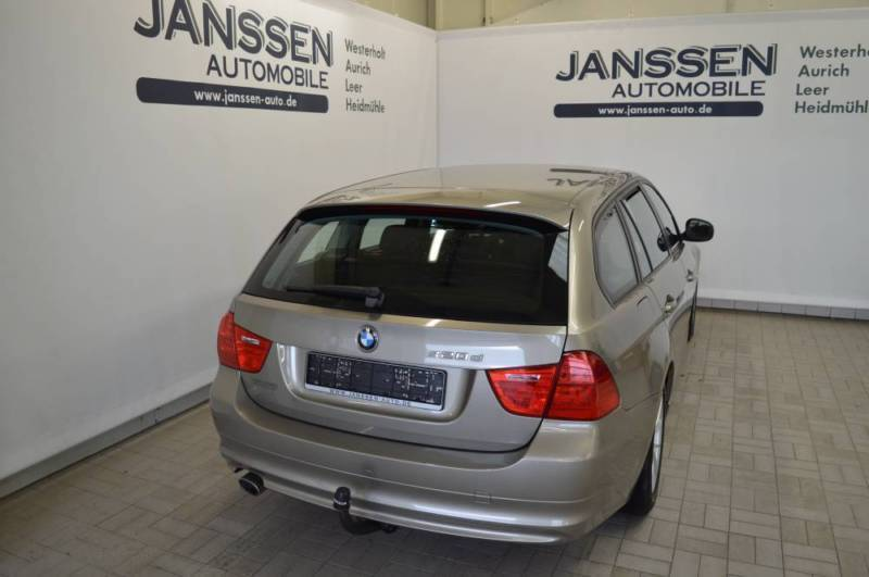 verkauft bmw 320 d 2 0 kombi gebraucht 2010 km in aurich. Black Bedroom Furniture Sets. Home Design Ideas