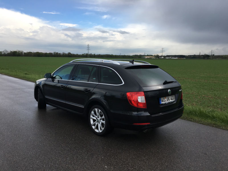 verkauft skoda superb combi 2 0 tdi el gebraucht 2012. Black Bedroom Furniture Sets. Home Design Ideas